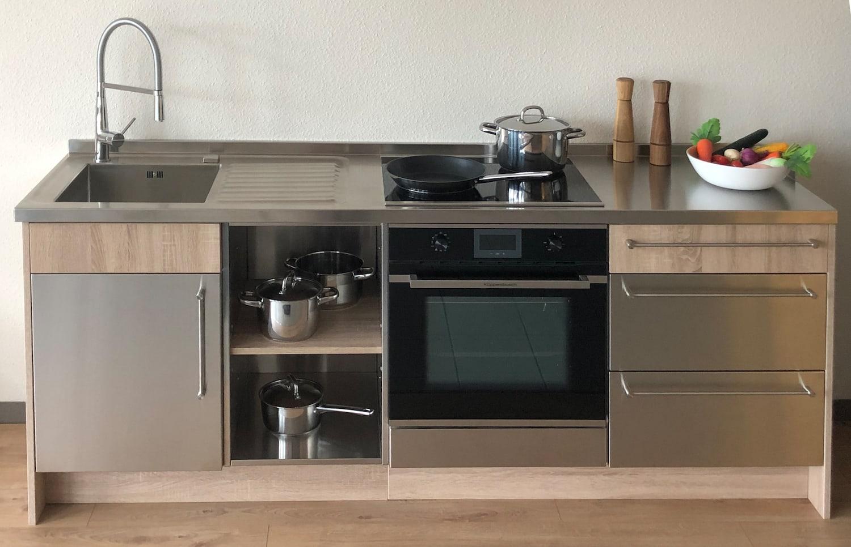 Haushalts- und Miniküchen
